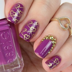 Stamping Nail Art: Stempel Nageldesign mit Herzen und essie flowerista