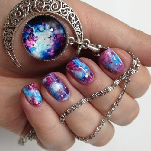 Galaxy Nails Anleitung deutsch: Einfaches Nageldesign mit Nagellack und Make-Up Schwämmchen zum selber machen