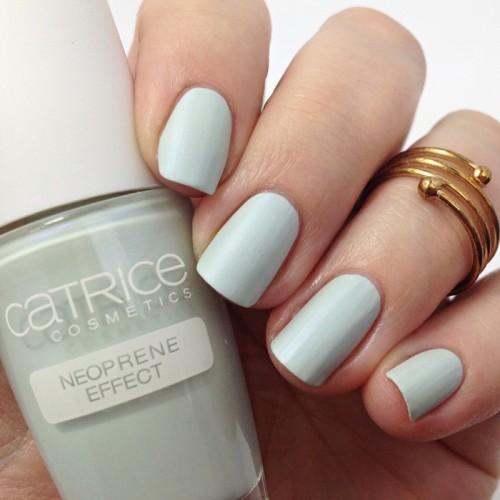 Catrice Bold Softness C01 Volumintous Nagellack Swatch