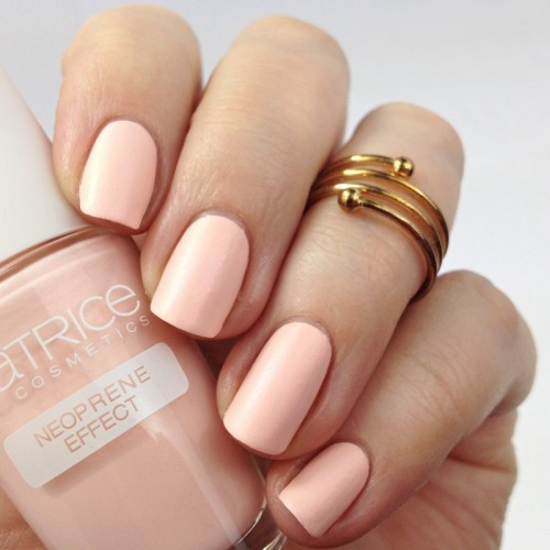 Catrice Bold Softness C03 Soft Pinkmentation Nagellack Swatches Shimmer