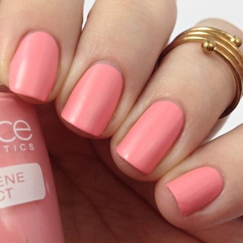 Catrice Bold Softness C04 Bold Pinkmentation Nagellack Swatch Nail Polish