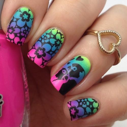 Buntes Sommer Nageldesign selber machen: Nageldesign mit Blumen und Neonfarben inklusive Video Tutorial Anleitung für kurze Nägel und für lange Nägel
