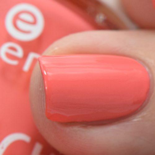 essence the beach house nail polish 01 beachy keen Swatch Macro
