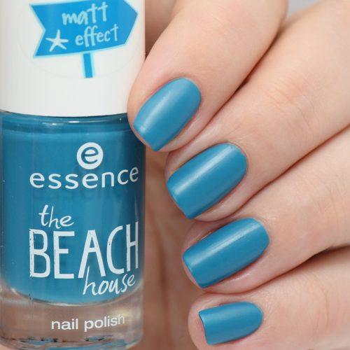 essence the beach house nail polish 04 splish splash Swatch