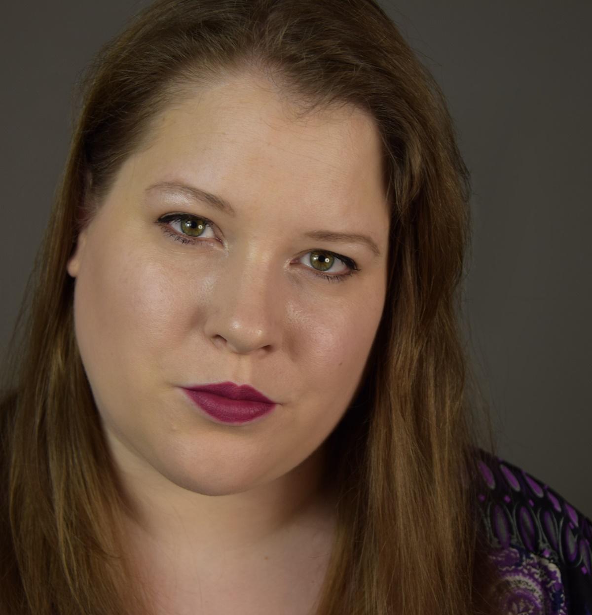 essence matt matt matt lipstick 07 purple power