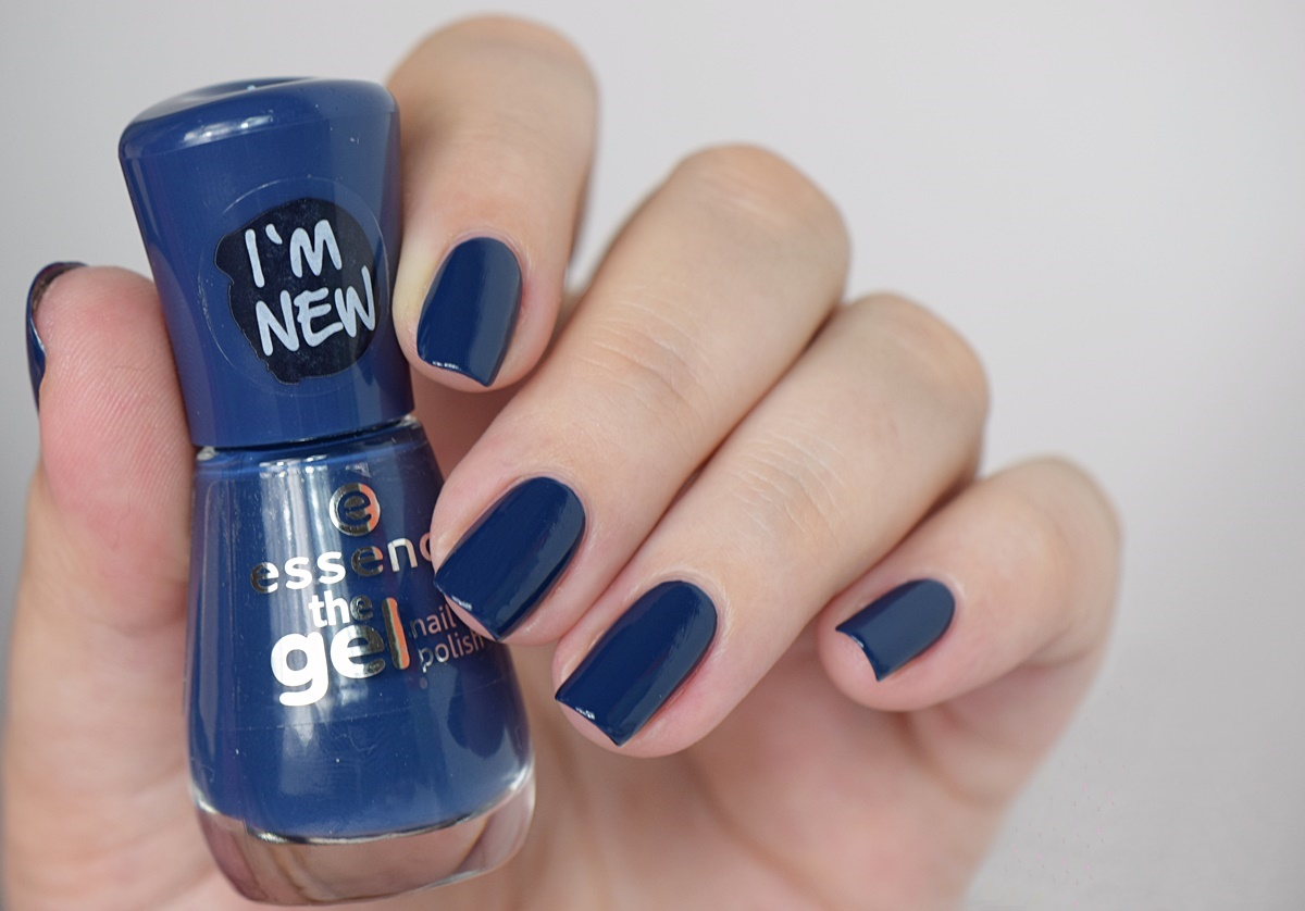 essence the gel nail polish 78 royal blue
