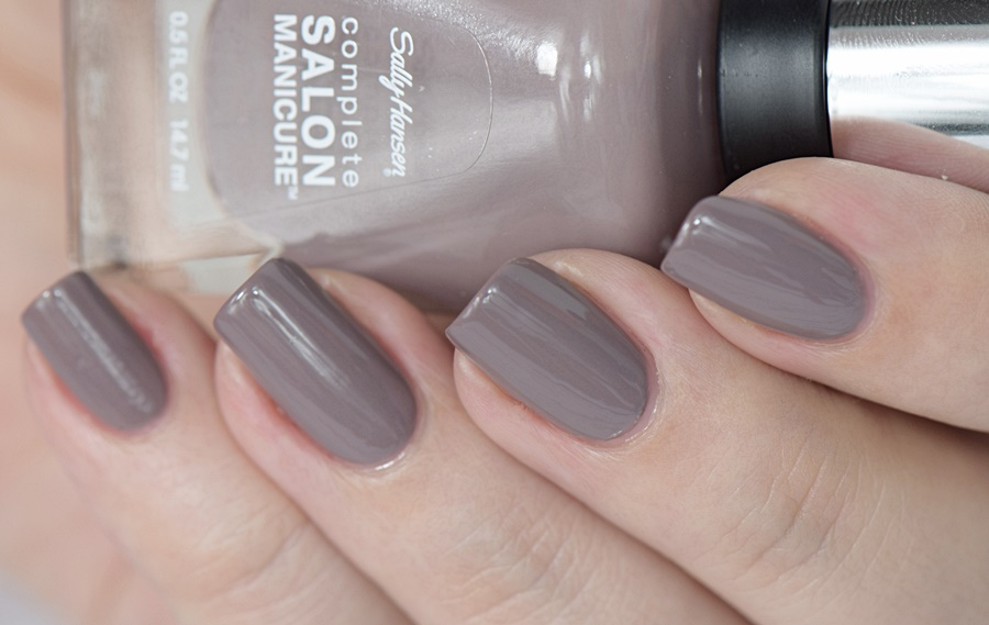 Sally Hansen Complete Salon Manicure 370 Commander In Chic mit Keratin Komplex Swatches