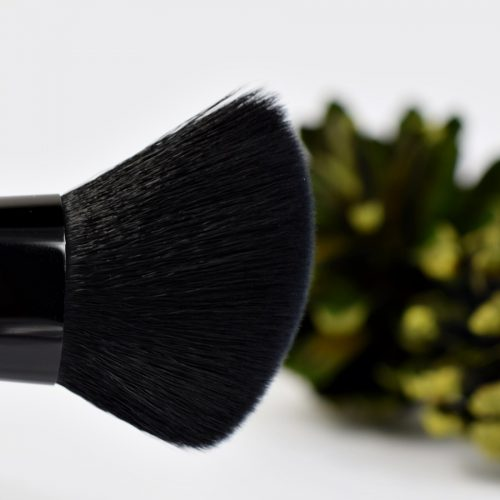 essence me & my umbrella contouring brush