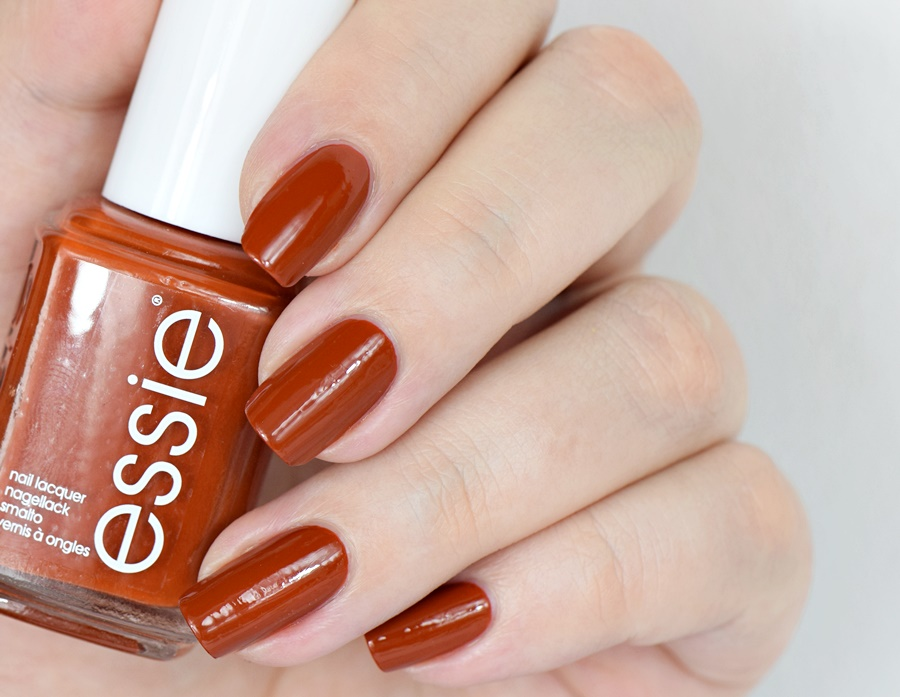 essie Herbst 2016 playing koi Swatches Nagellack Blog Review