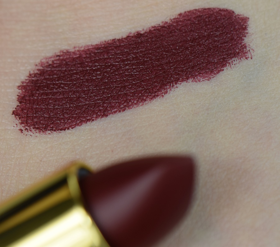 catrice-kaviar-gauche-lipstick-c02-fleur-du-soir-swatch