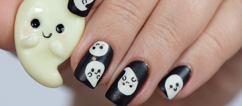 halloween-nageldesign-mit-geistern