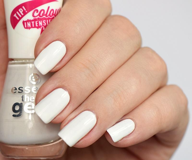 essence-the-gel-nail-polish-33-wild-white-ways-nagellack-swatches ...