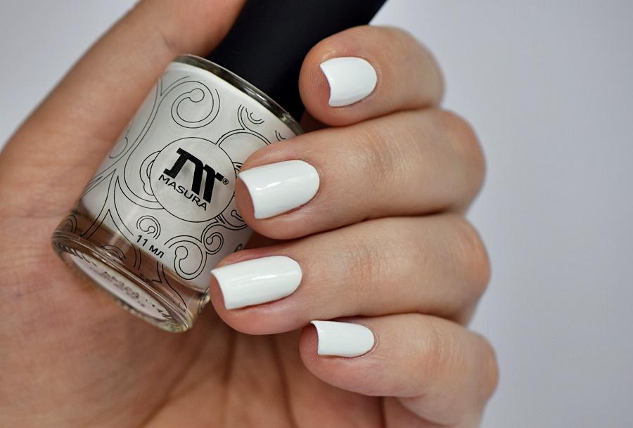 Weiße Fingernägel